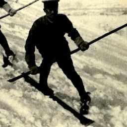 北海道スキー競技 其六 急坂を徐行して滑走降下する縦隊